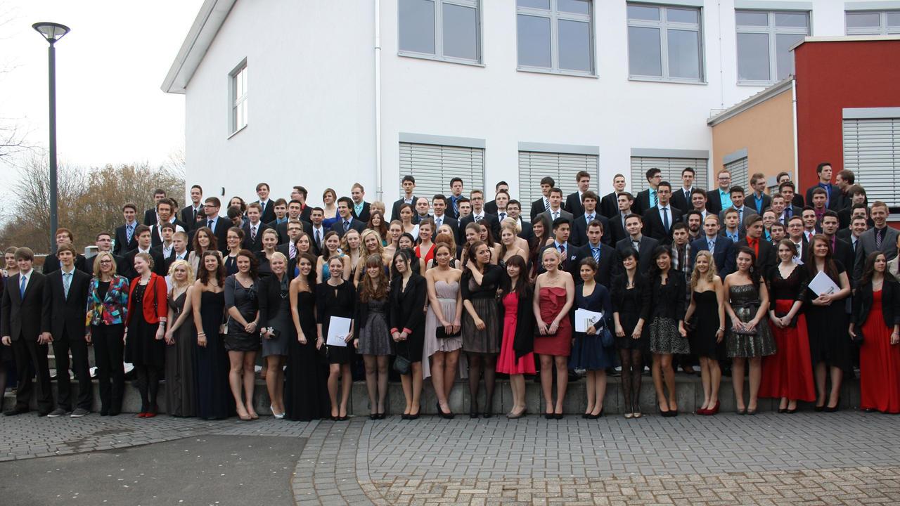 123 Abiturienten des Mons-Tabor-Gymnasium nehmen Abschied
