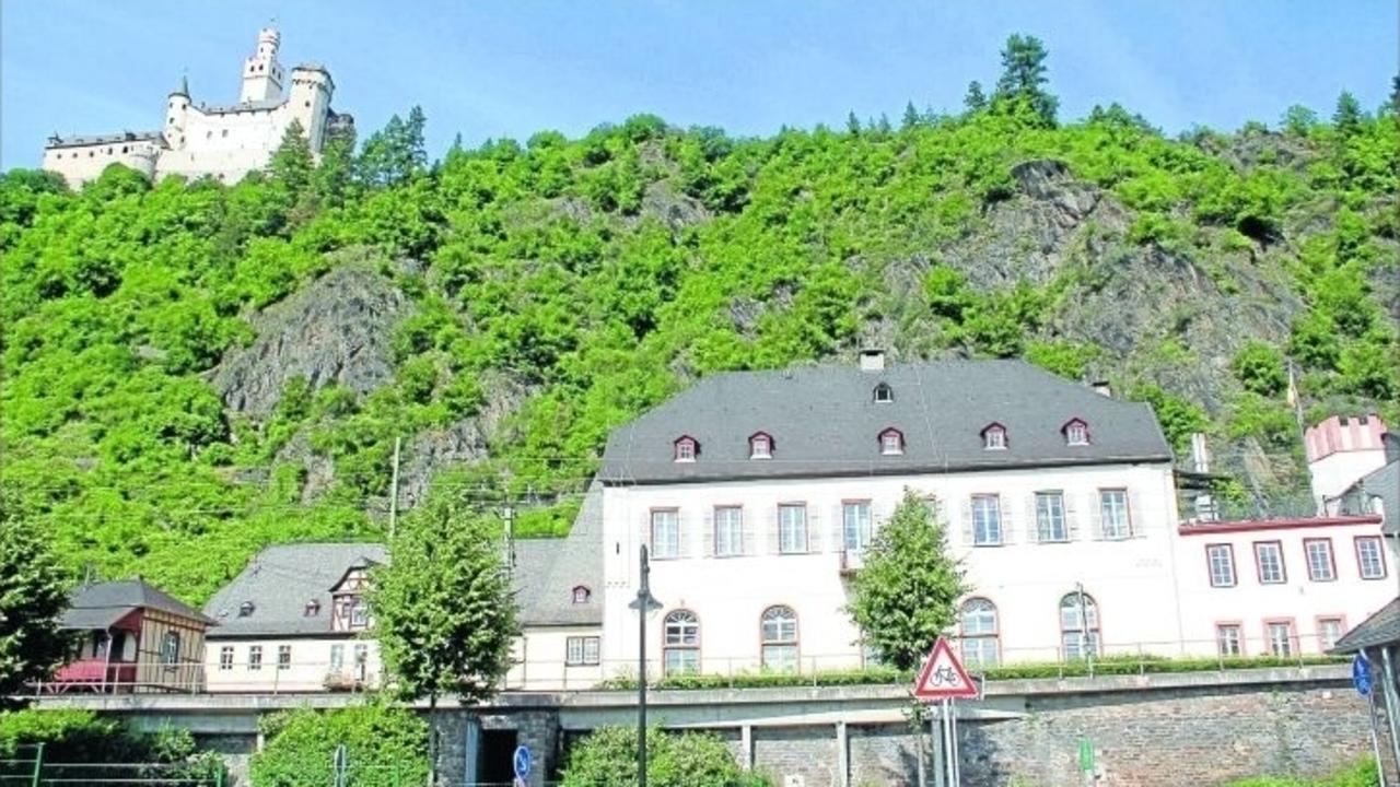 In der burg und f r die burg region rhein zeitung Burg hachenburg