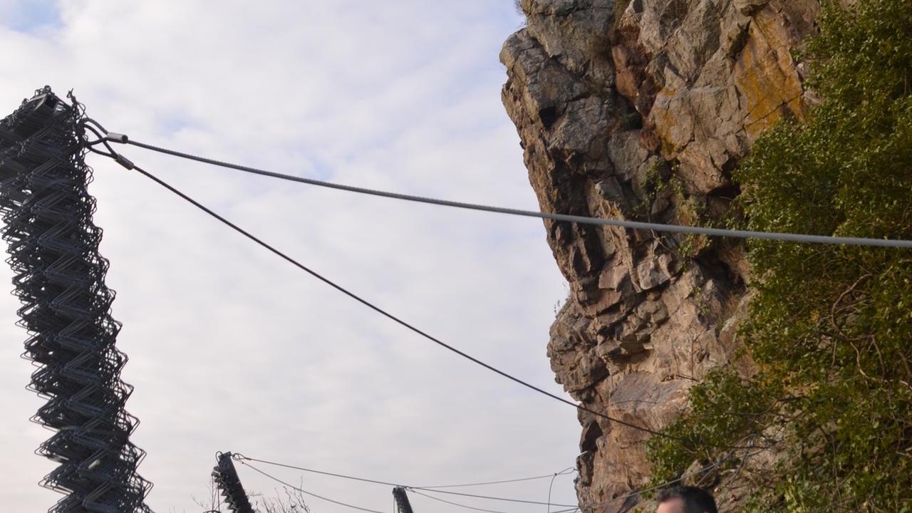 Eichh rnchen trug die stahltr ger auf die burg Burg hachenburg