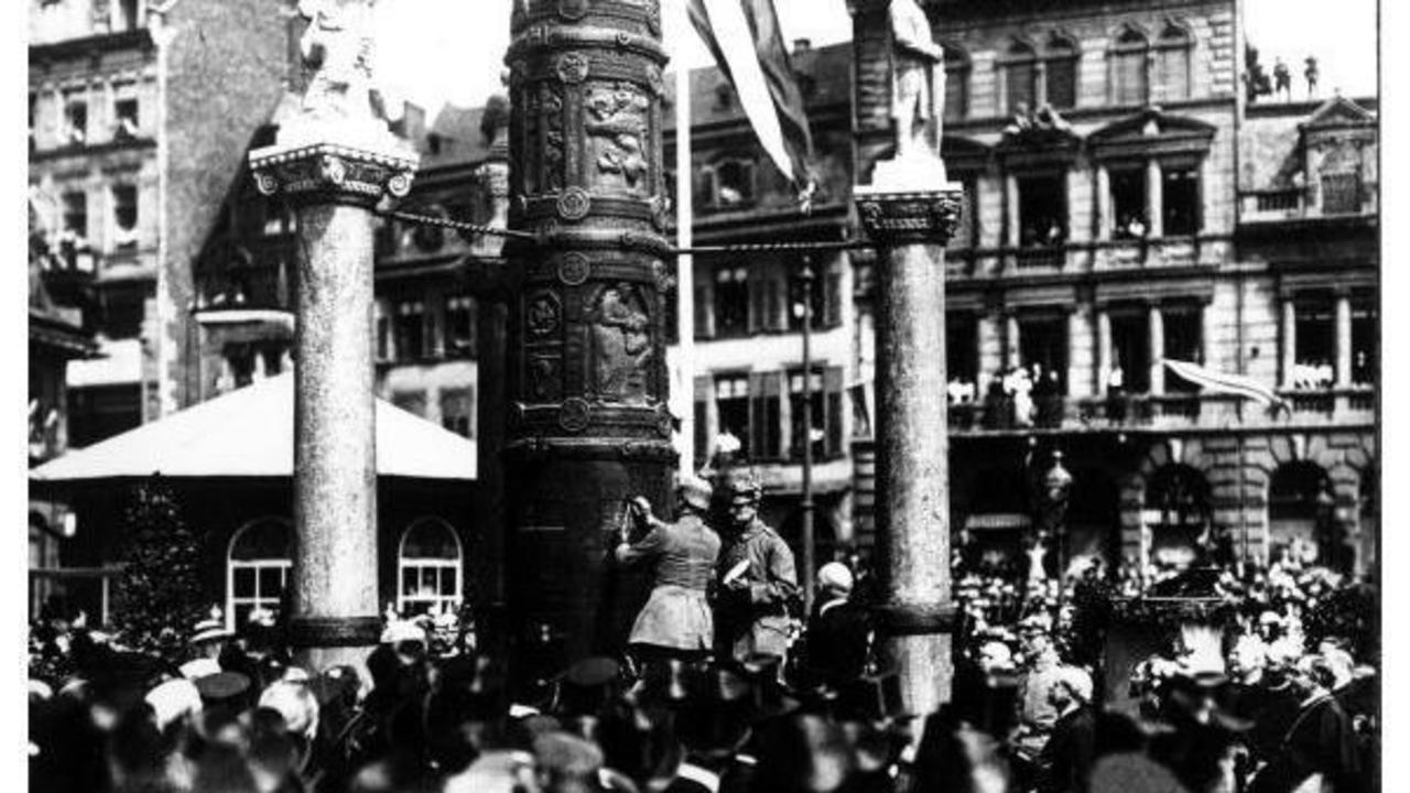 monument auf dem liebfrauenplatz die nagels ule der erste weltkrieg rhein zeitung. Black Bedroom Furniture Sets. Home Design Ideas