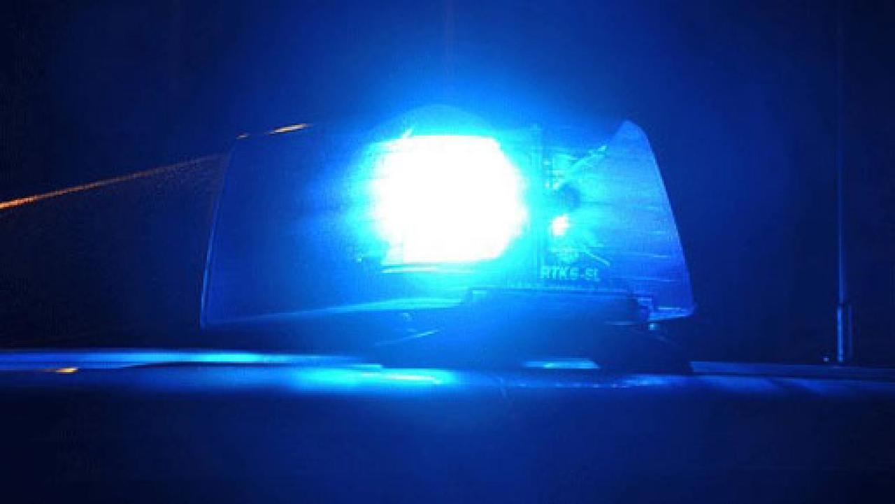 Vorfahrt missachtet: Pkw kollidiert mit Fahrschulauto