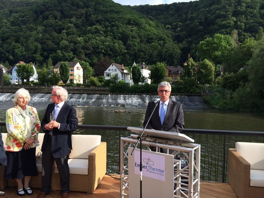 Emser Therme Deutschlands Erste Flusssauna Eroffnet Rhein Lahn
