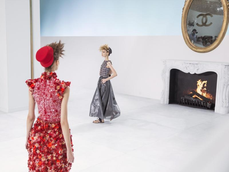 Couture ohne Couture» – Lagerfeld in Hochform bei Chanel ...