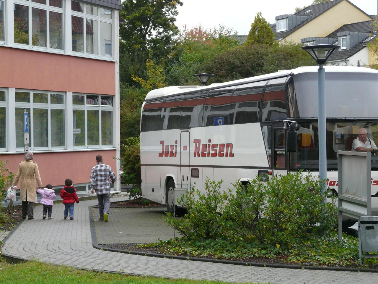 Rat- und sprachlos im Westerwald: Flüchtlinge suchen eine neue ...