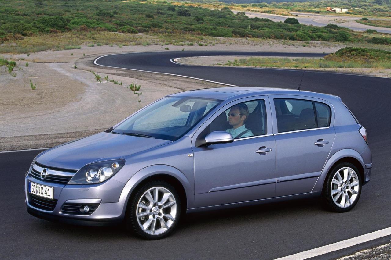 Von Volksautos und Verfolgern - Tradition: Elf Generationen Opel ...