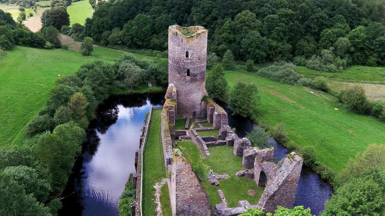 Burgruine baldenau morbach ein picknick an der ruine im Burg hachenburg