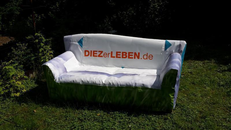 Bademeisterin Langsam Esser Und Golfer Auf Dem Sofa Rhein Lahn
