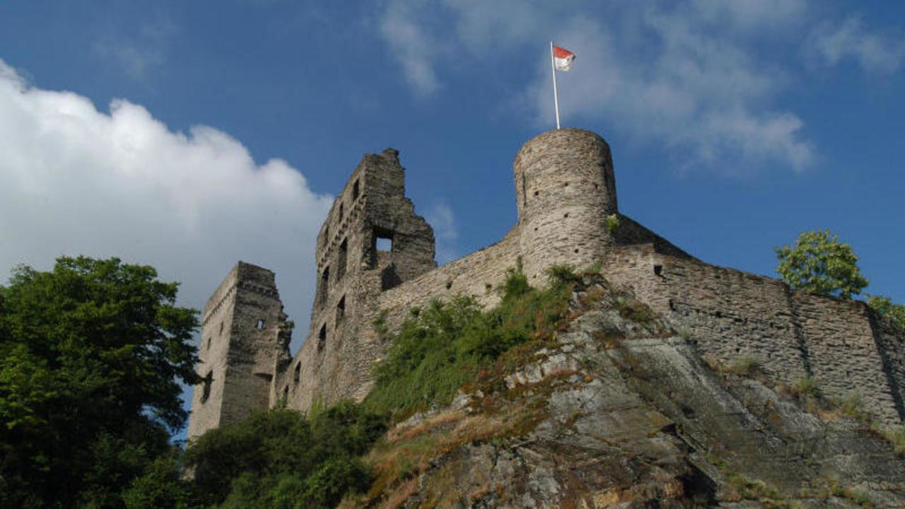 Burg sponheim das wahrzeichen von kastellaun von burg Burg hachenburg