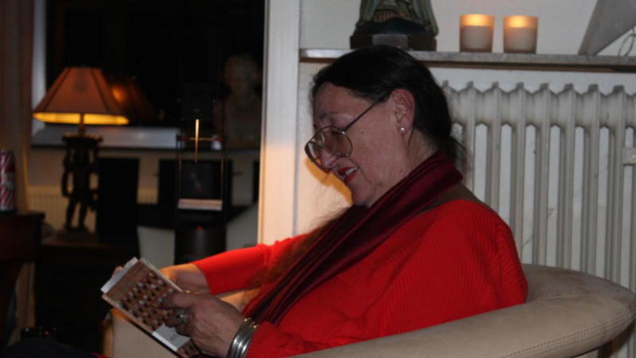 Wohnzimmerlesung Sprachliche Feinheiten Bei Kerzenschein