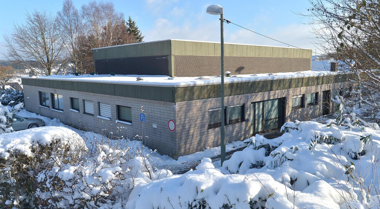Sanierung: Kein Holzmantel für Weitefelds Turnhalle - Rhein-Zeitung ...