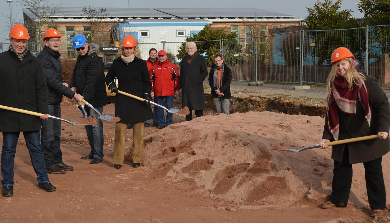 Bauunternehmen Bad Kreuznach bauzeit ein jahr spatenstich für funktionsgebäude auf