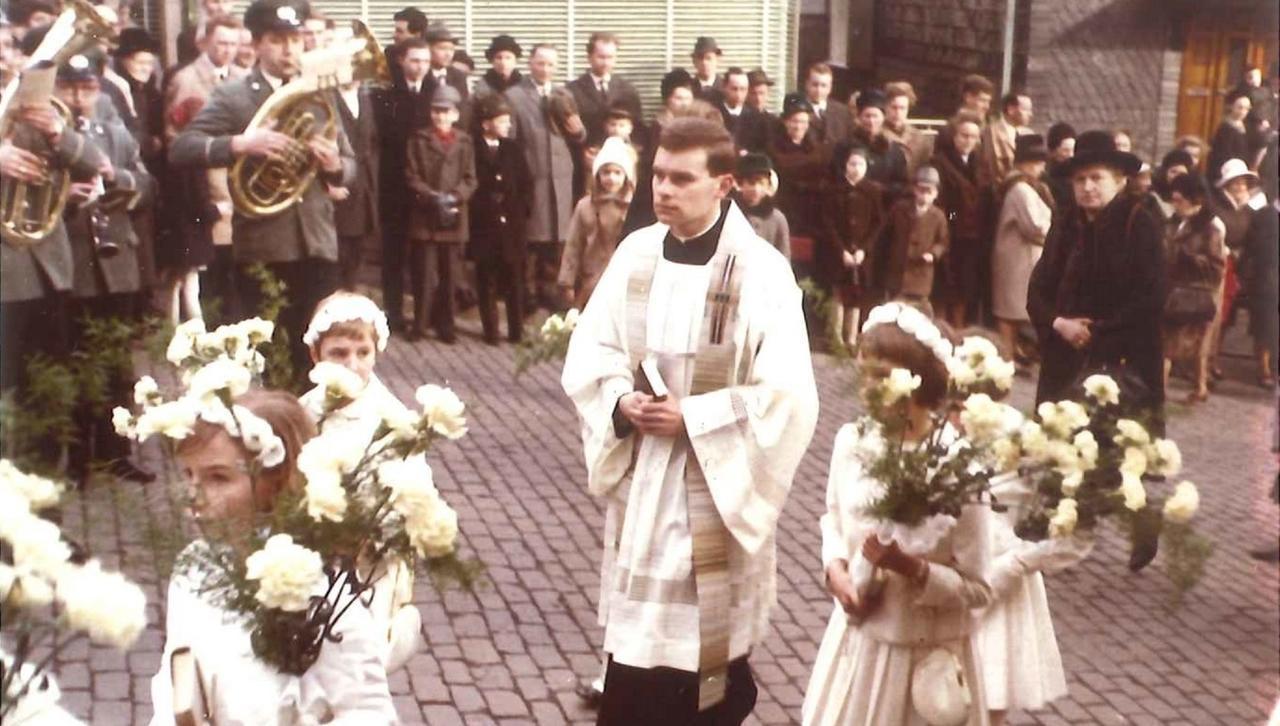 Koblenz: Pastor Peter Bleeser feiert Goldene Primiz - Rhein-Zeitung ...