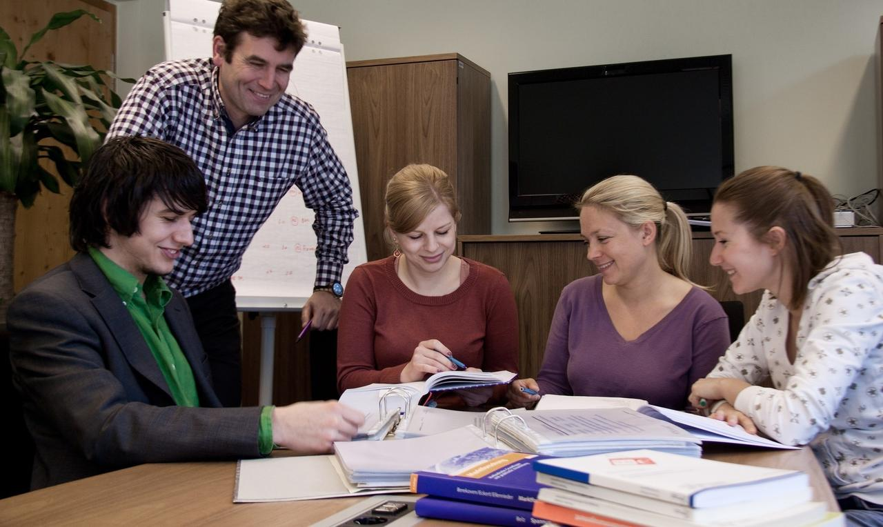 Ungewöhnlich Gute Studentenbeispiele Bilder - Beispiel Business ...