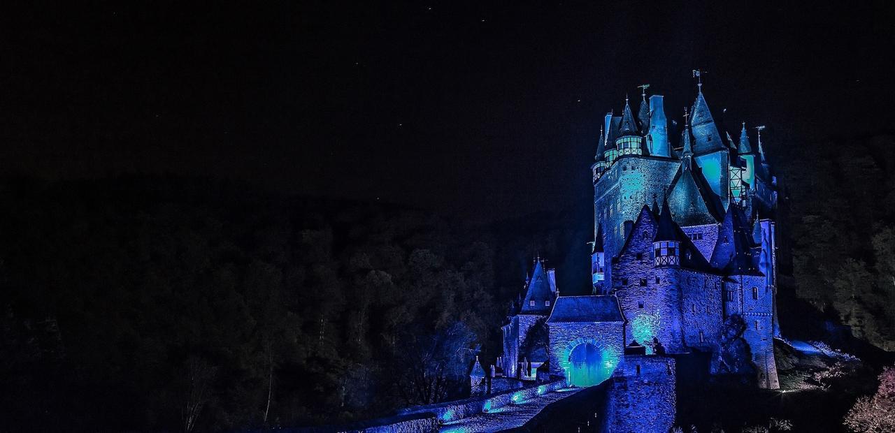 Polcher lässt bekannte Bauwerke leuchten - <br />Peter Baur sorgt ...