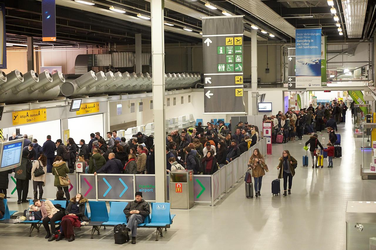 Ausstand: Streik der Ryanair-Piloten bisher ohne größere ...