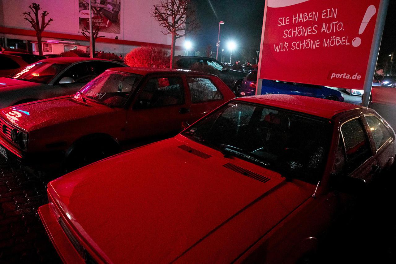 Carfriday In Koblenz Dutzende Tuning Fans Sorgen Für Polizeieinsatz