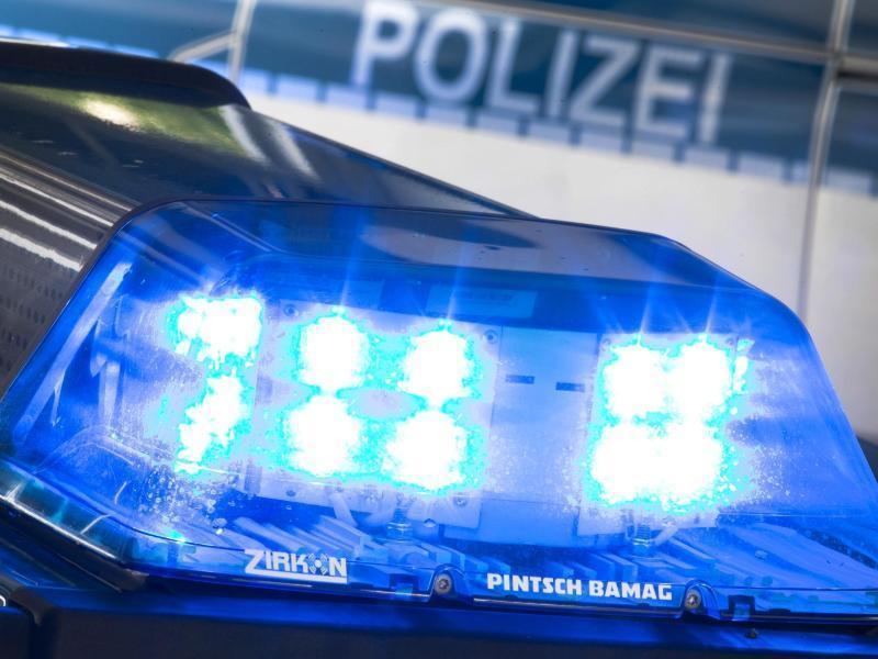 B42 bei Niederlahnstein: Verkehrsunfall mit schwerverletztem Biker ...
