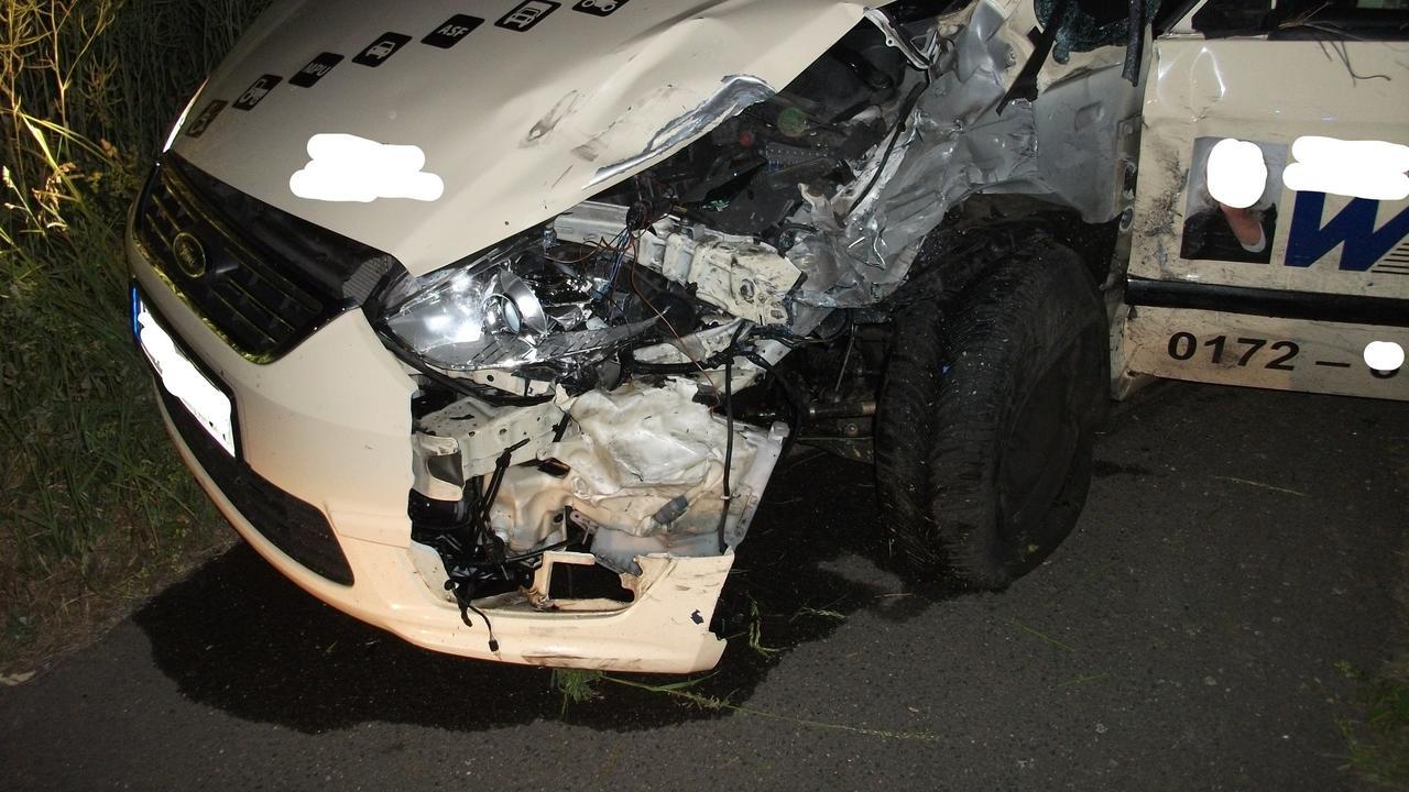 Schwerer Verkehrsunfall In Planig Ein Mensch Schwer Einer Leicht