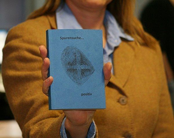 Gebetbuch Bietet Trost Für Polizisten Archiv Rhein Zeitung