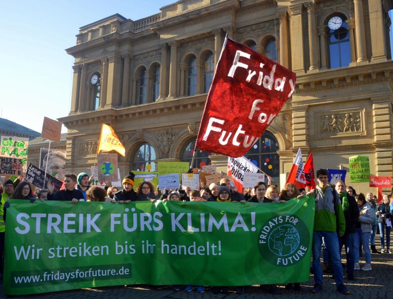 """Greta Thunberg Wallpaper: Wieder Schülerproteste In Mainz: """"Lieber Fehltage Als Eine"""