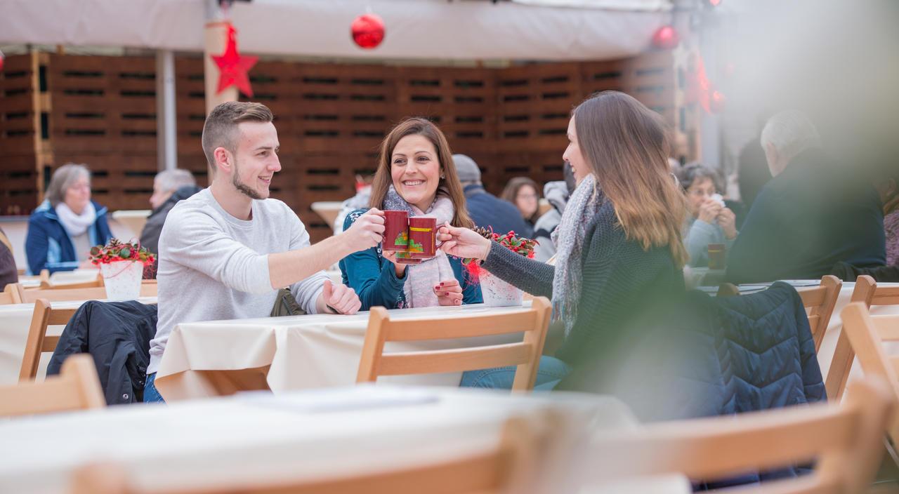 Cochem Weihnachtsmarkt.Hotelier Wirbt Mit Cochems Weihnachtsmarkt Neues Konzept Geht Auf
