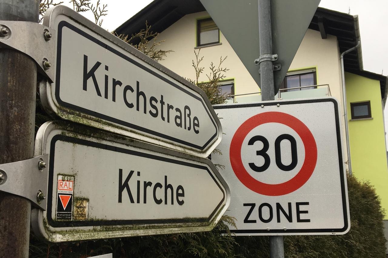 Verkehrszeichen bei einstellen müssen sich wind sie diesen Wie Mussen
