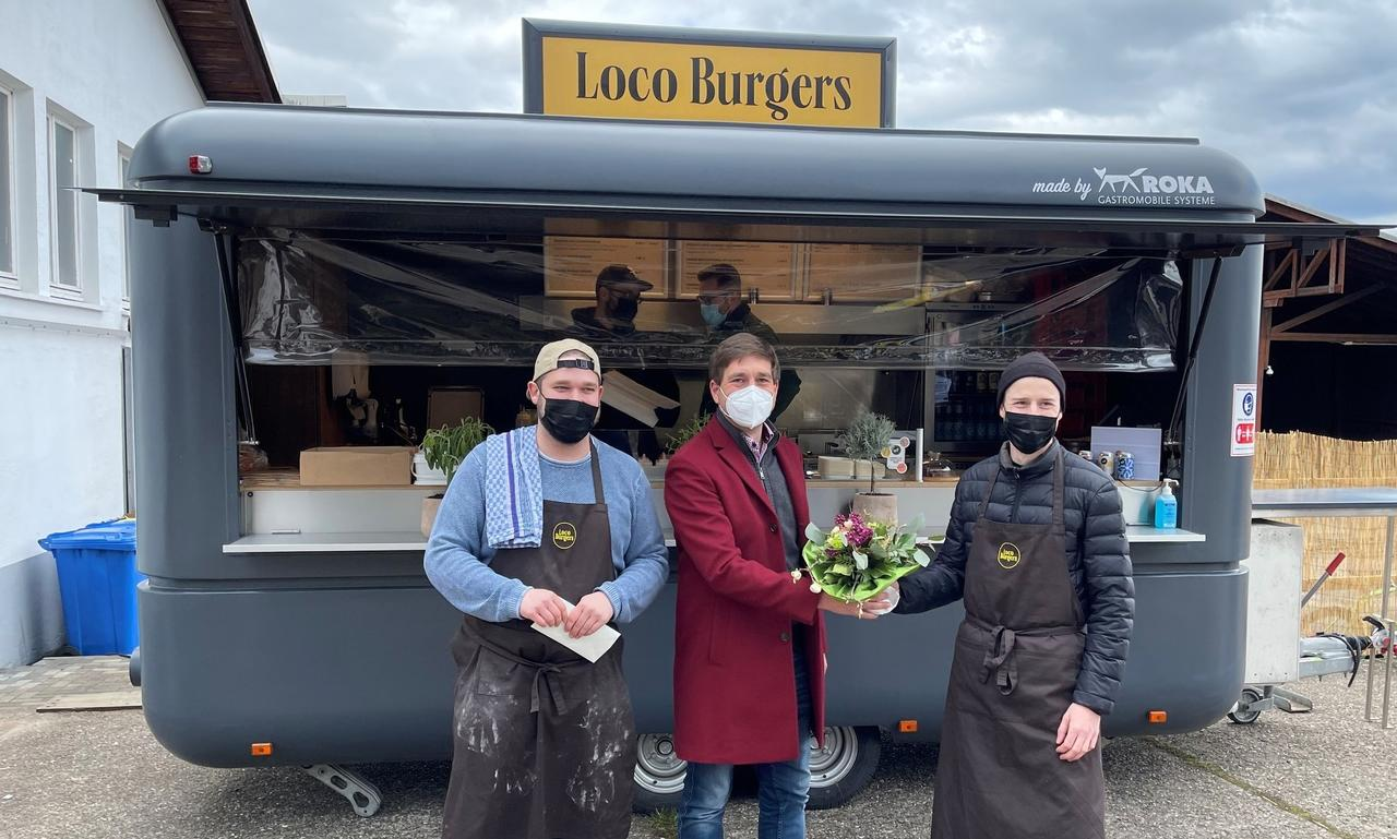 Ganz lokal und etwas verrückt: Loco Burgers werden frisch im Food Truck zubereitet
