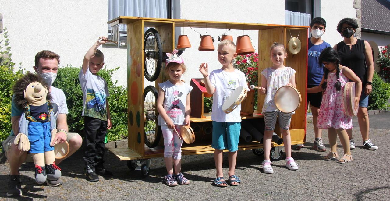 Klangregal lädt zum Experimentieren ein: Musik-Workshop für Projektkinder der Kita St. Jakobus