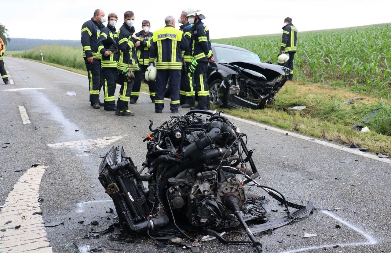 Unfall auf der Bundesstraße 414 bei Kroppach: Zwei Schwerverletzte nach Frontalzusammenstoß