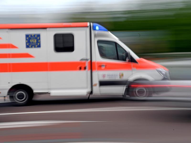 Folgenschwerer Arbeitsunfall: Mann in Friesenhagen setzt sich selbst in Brand