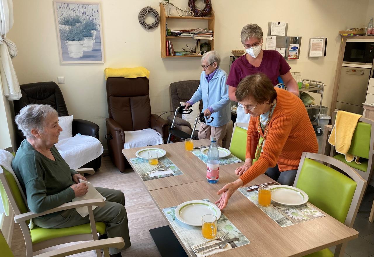Zahl der Erkrankten in Einrichtungen nimmt zu: Wie Pflegeheime im Kreis Altenkirchen mit Demenz umgehen