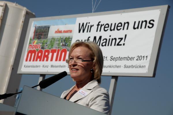 Spatenstich Für Möbel Martin Hoffen Auf Sogwirkung Archiv Rhein